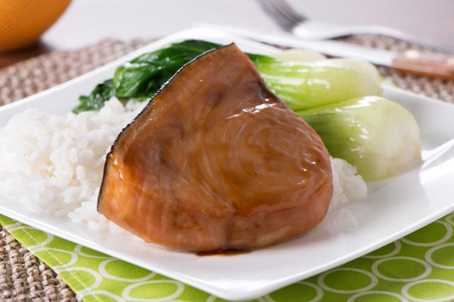Espadon cuit au four à la vinaigrette Asiatique au sésame Image 1