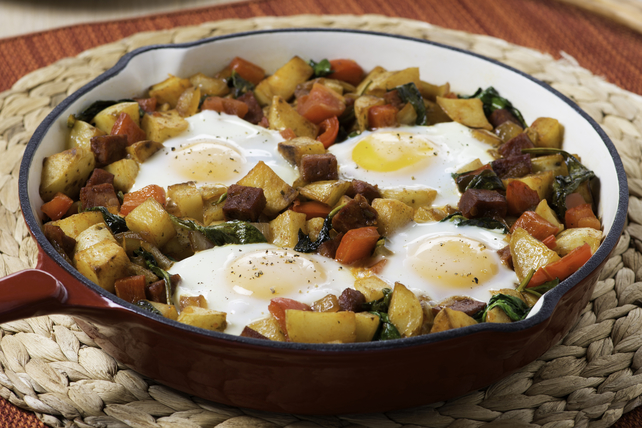 Spanish-Style Skillet Hash with Eggs Image 1
