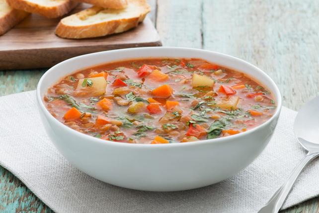 Soupe consistante aux lentilles et aux légumes Image 1