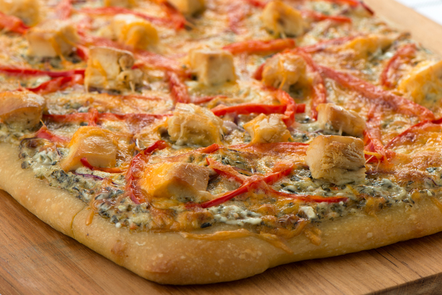 Chicken & Spinach Dip Pizza Image 1