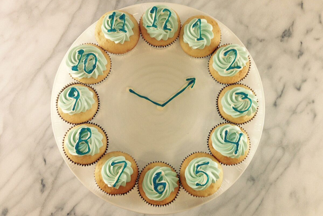 Horloge en petits gâteaux Image 1