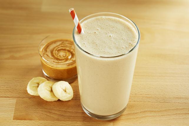 Lait fouetté au beurre d'arachide et à la banane Image 1