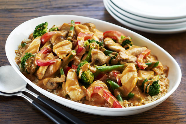Stir-Fried Chicken with Creamy Peanut Sauce Image 1