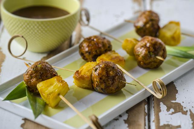 Brochettes de boulettes de viande à l'antillaise et ananas confit Image 1