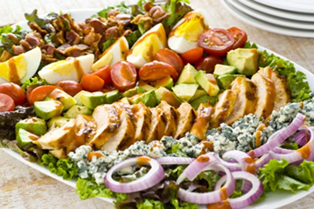 Salade Cobb au fromage bleu et au goût de fumée Image 1