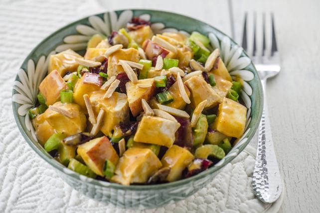 Salade de poulet au cari et aux canneberges Image 1