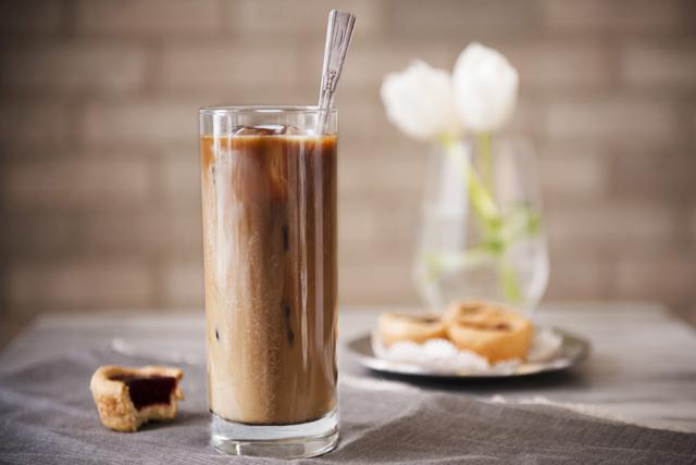 Café latté glacé à la noix de coco Image 1