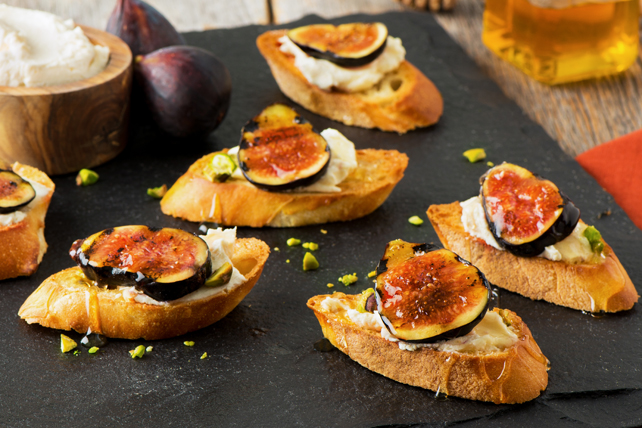 Grilled Balsamic-Fig Crostini