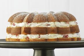 Strawberry Cream-Filled Cake