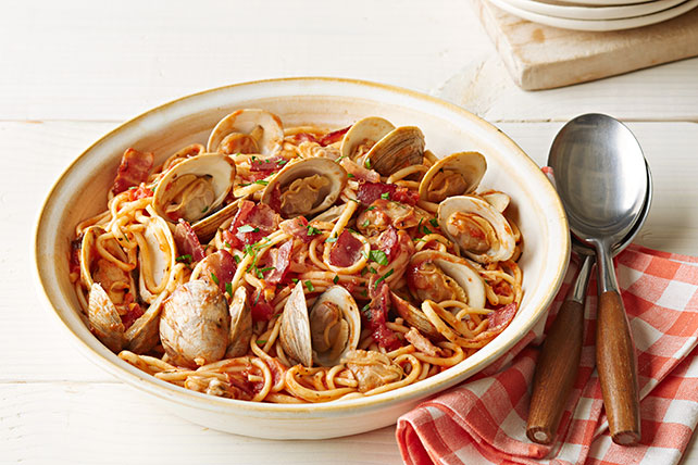 Linguine Marinara with Clams and Bacon