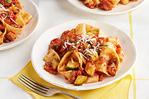 Quick Pasta Bolognese with Zucchini