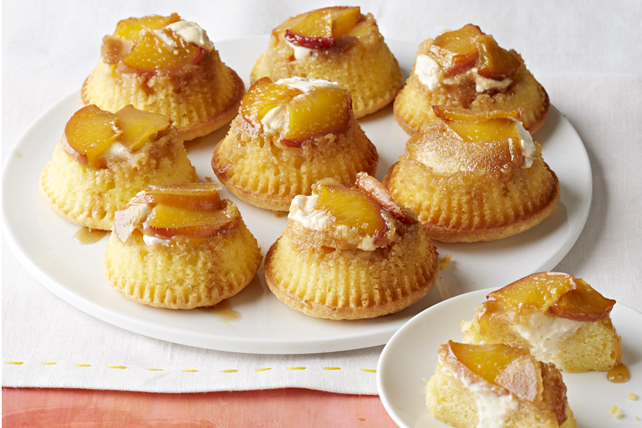 Peaches & Cream Mini Upside-Down Cakes Image 1