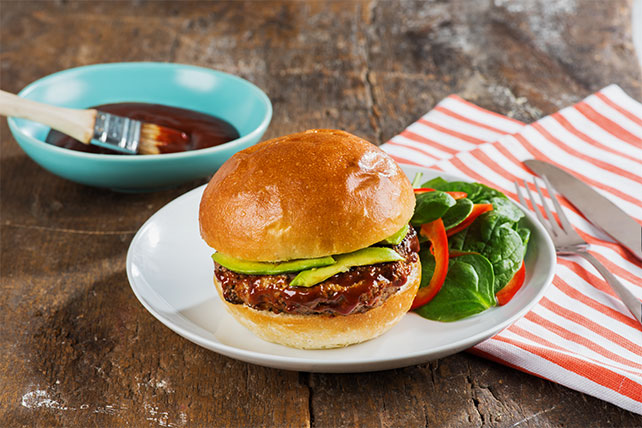 Cheesy Green Chili-BBQ Burgers Image 1