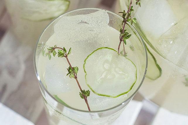 Cucumber & Thyme Lemon-Limeade Image 1
