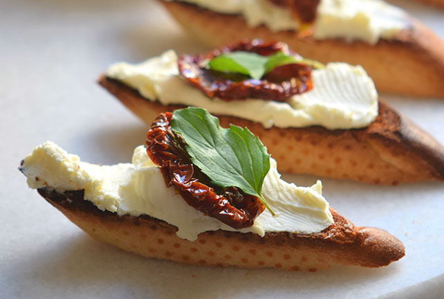 Sun-Dried Tomato Crostini Image 1