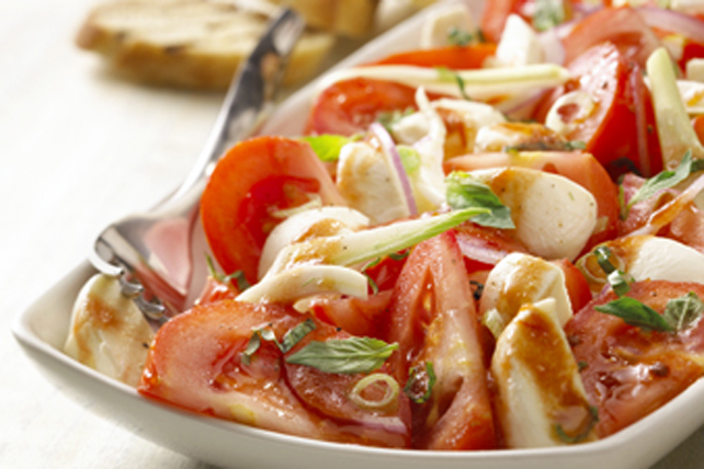 Salade de tomates et de bocconcini Image 1