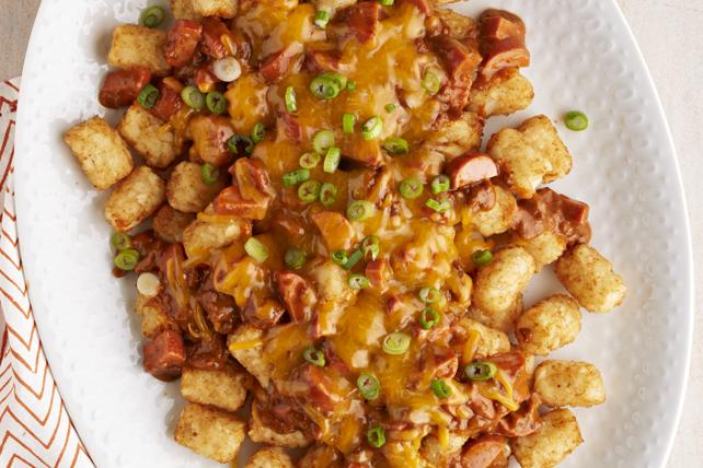 «Nachos» au chili, au fromage et aux saucisses à hot dog Image 1