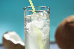 Coconut-Lemonade Cocktail