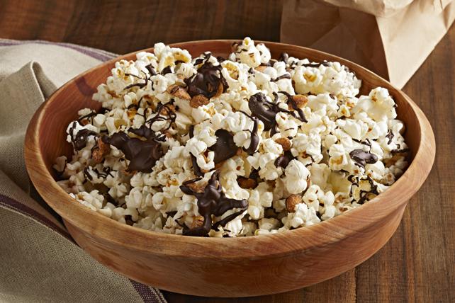 Mélange d'arachides et de maïs soufflé au chocolat Image 1