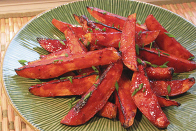Honey-Garlic Sweet Potato Wedges Image 1