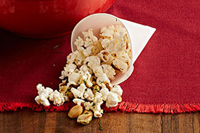Dill Pickle-Popcorn Mix