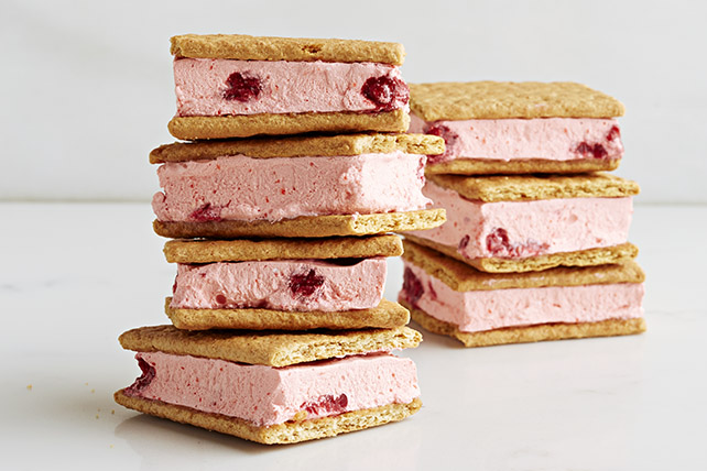 Creamy Raspberry Graham Frozen Sandwiches