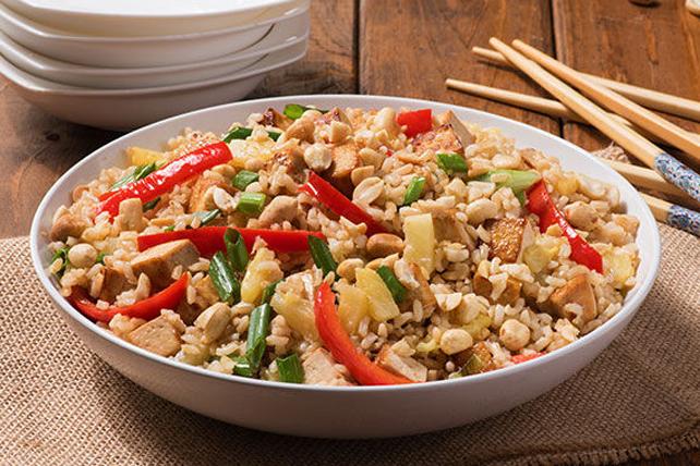 Riz frit thaï à l'ananas et aux arachides Image 1