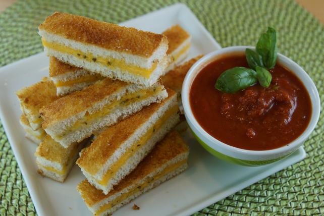 Lanières de sandwich au fromage fondant au four à l'italienne Image 1