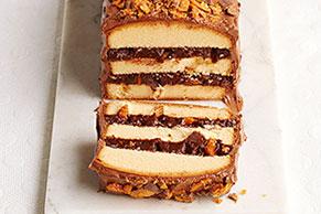 Pastel de barras de chocolate en capas