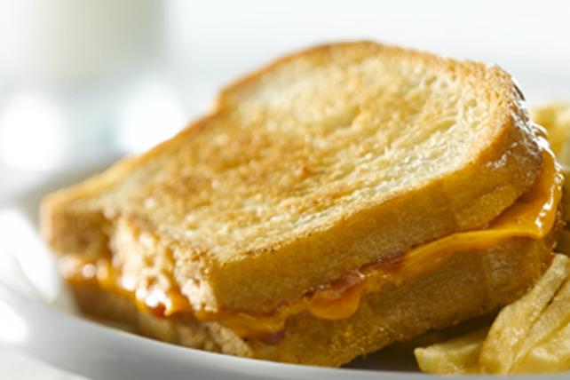 Sandwich au fromage fondant à votre façon Image 1