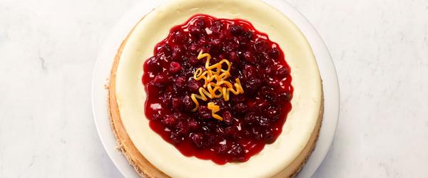 Gâteau au fromage au chocolat blanc, à l'orange et aux canneberges