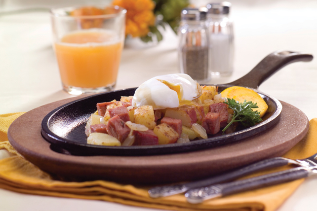 Poêlée de bœuf, de pommes de terre et d'œufs Image 1