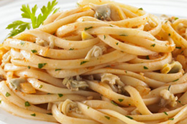 Linguine with Clam Sauce Image 1