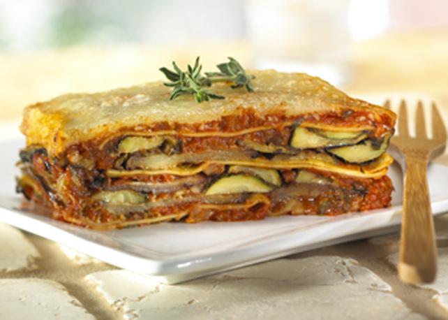 Lasagna alla puttanesca dans un plat profond Image 1