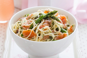 Linguine with Smoked Salmon and Asparagus