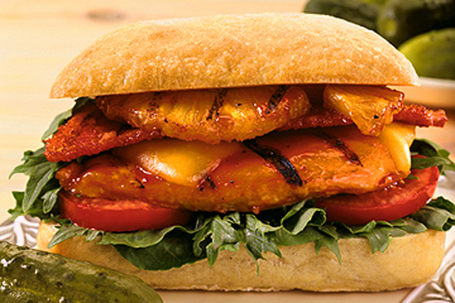 Club sandwich au poulet et à l'ananas grillés Image 1