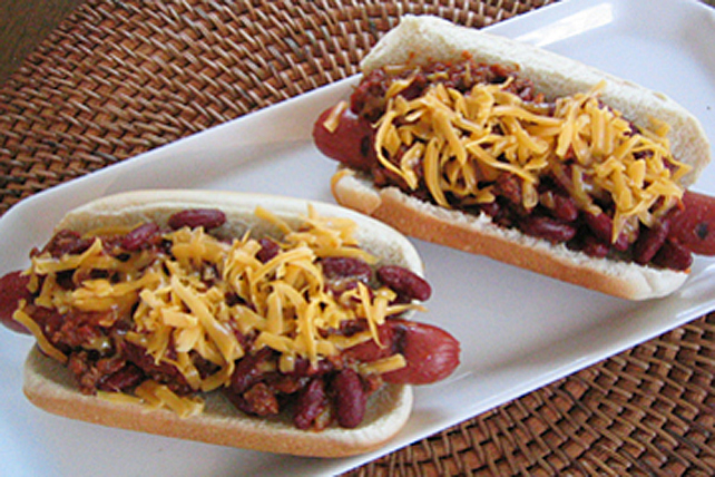 Classic Chili Dogs Image 1