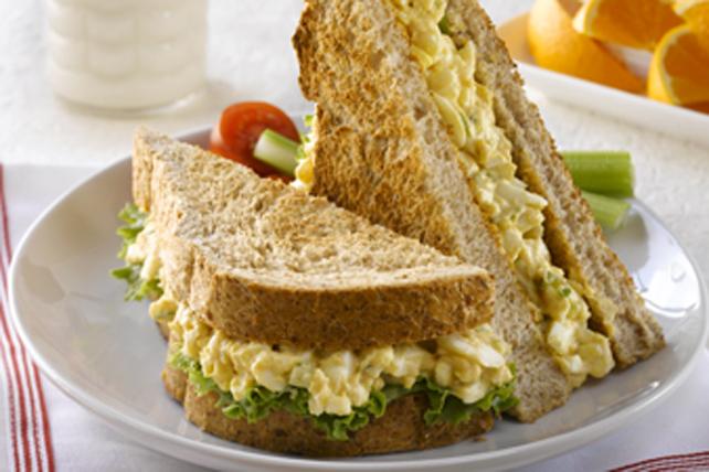 Sandwich à la salade aux œufs classique Heinz Image 1