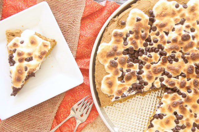 Pumpkin S'mores Pizza