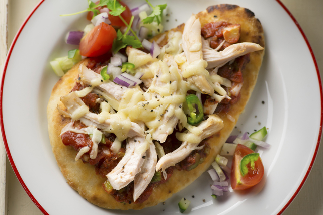 Naan Chicken Pizza Image 1