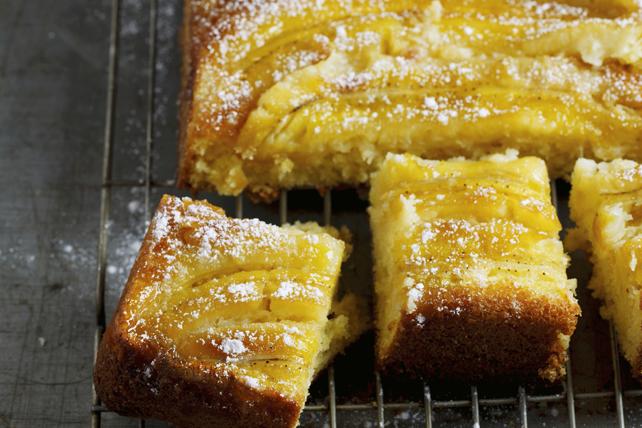 Gâteau chaud aux bananes renversé Image 1