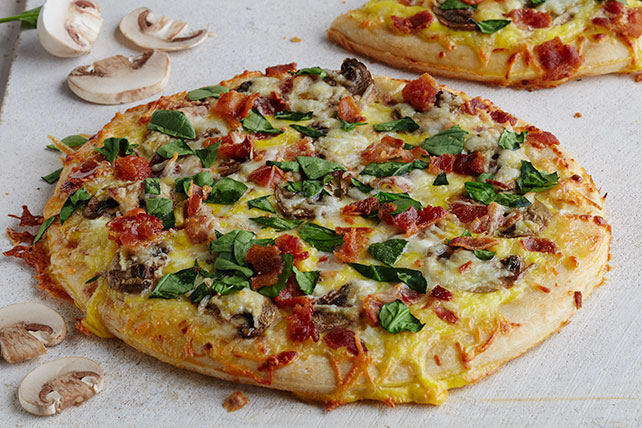Spinach, Mushroom & Egg Pizzas Image 1