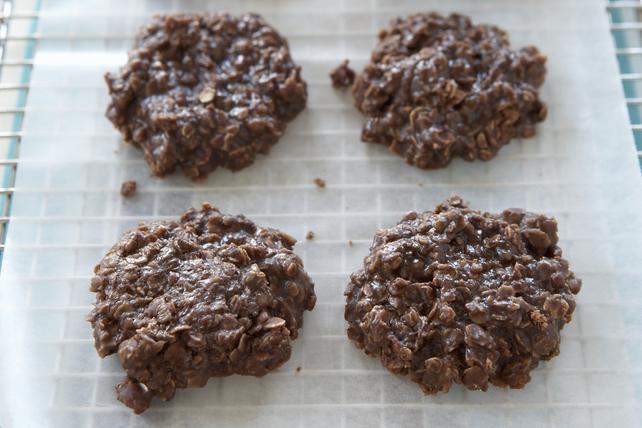 Biscuits moelleux aux flocons d'avoine, au beurre d'arachide et au chocolat Image 1