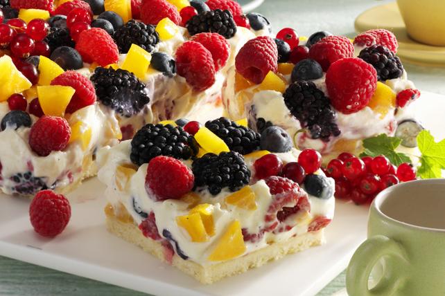 Dessert aux petits fruits et aux pêches pour le brunch Image 1