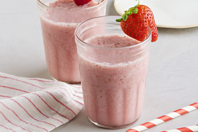 Simple Berry-Peach Smoothie Image 1