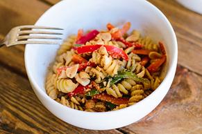 Salade de nouilles aux arachides à la thaïlandaise