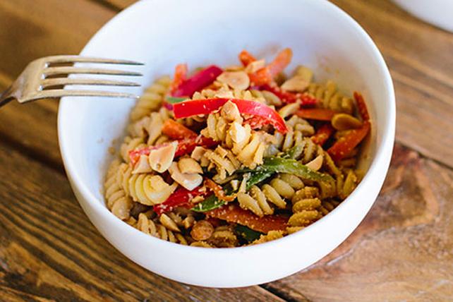 Salade de nouilles aux arachides à la thaïlandaise Image 1