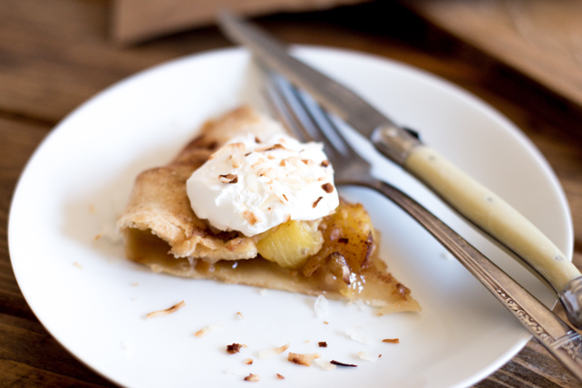 Easy Pineapple Coconut Rustic Pie