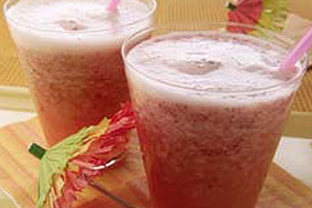 Strawberry-Lemonade Slushies Image 1