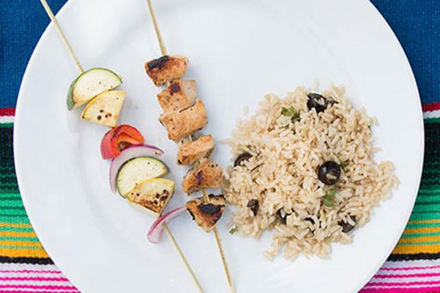 Brochettes de poulet à la grecque sur lit de riz Image 1
